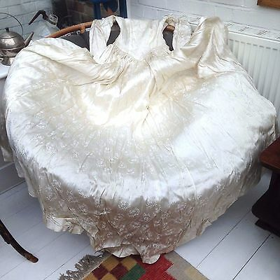 A VINTAGE 1930's ART DECO SATIN SILK BIAS CUT WEDDING DRESS IN ITS ORIGINAL BOX