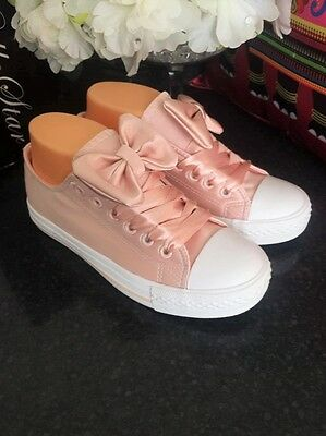 New Womens Ladies Sneakers Trainers With Bow Lace Up   White Pink
