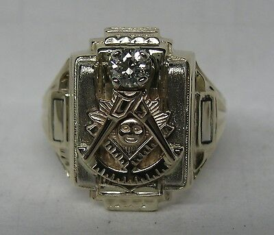 Vintage Past Master 10K Solid Gold .20 Ct. Diamond Masonic Ring