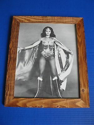 Wonder Woman Lynda Carter vintage 1970s framed photo television 4 comic book fan