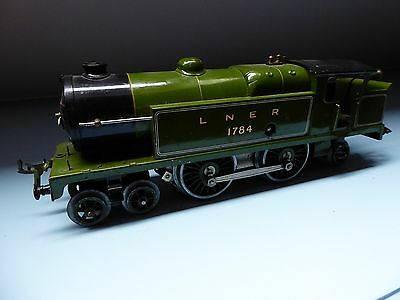 train hornby loco tank LNER 1784