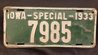 1933 Iowa Special 7985 License Plate
