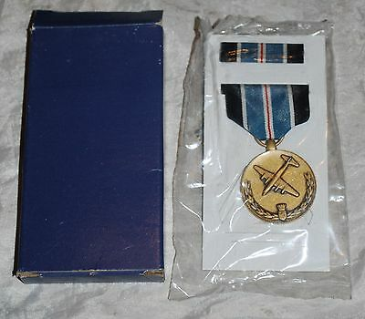 Berlin Airlift Humane Action Military Medal GI Issue Set in BOX