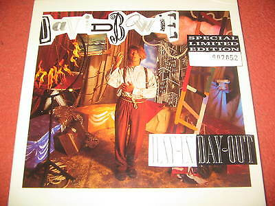 "David Bowie:""day in day out"" limited edition(No.7052) vinyl single box set"