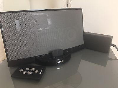 bose docking station speaker complete with bluetooth sync. Black Bedroom Furniture Sets. Home Design Ideas