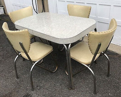 VINTAGE FORMICA TABLE White w/Leaf w/ 4 VINTAGE CHAIRS in Cream - 1950's - VGUC!