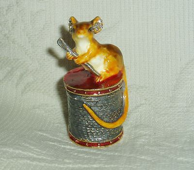Russian Сollectible Handpainted Decorative Enamel Thimble Mouse on spool