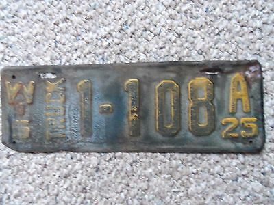 1925  Wisconsin  License Plate Truck   1925  Ford model T Truck ? 1925  Chev?