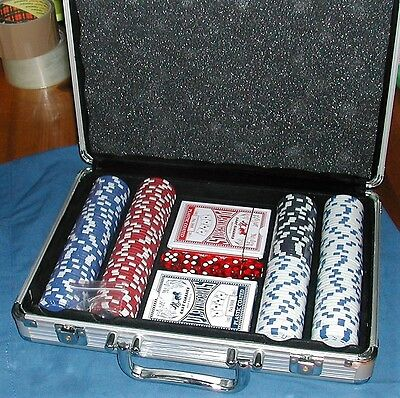 Players Club Deluxe Poker Chip Set - Complete and Unused