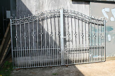 GALVANIZED DOUBLE WROUGHT IRON DRIVEWAY GATES 12 ft   wide