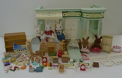 Calico Critters Cloverleaf Corners Country Market with 7 Critters and 60+ Pieces