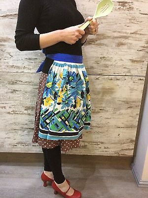 Authentic vintage apron, retro pinny 1950's style. Very lovely and very cute!