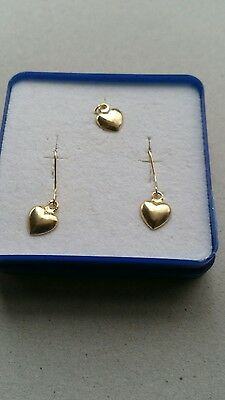 18ct gold earrings and pendant