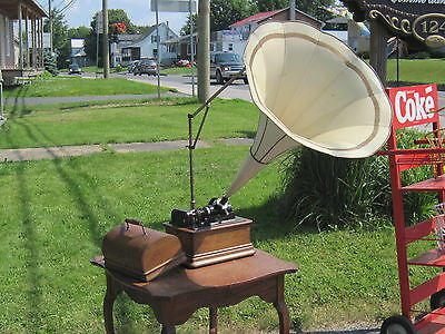 Antique Edison Standard Phonograph Cylinder  Model D Talking Machine With Horn