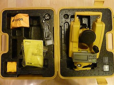 Topcon DT-209 Optical Digital Theodolite w Carrying Case and accessories