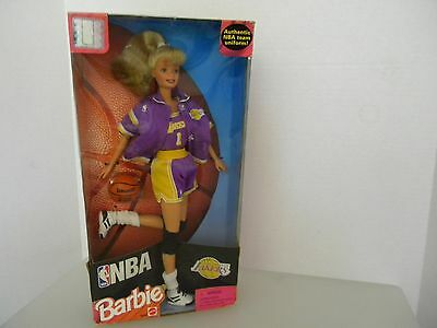 Barbie Doll 1998 Nba With Basketbal  Los Angeles Lakers New