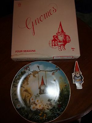 Gnome Plate Orig Box and Gnome Hangtag/ Booklet 4 Seasons: Spring LITTLE SWINGER