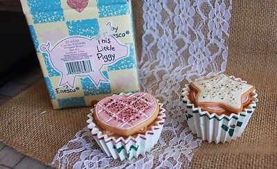 1997 ENESCO TLP  Cupcake with Holly Wrapped Risers set of 2 THIS LITTLE PIGGY