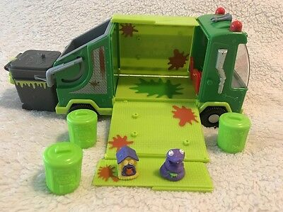 Garbage Truck Trash Pack Moose Toys with 2 Trashies and 3 Cans plus Container