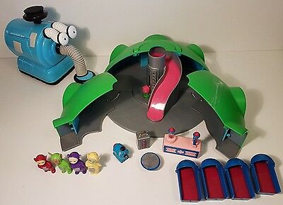 Orginal 1996 Teletubbies House on the Hill playset plus Large Friction Noo Noo