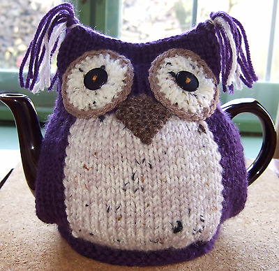 Knitted Owl Tea cosy...100% Wool body.