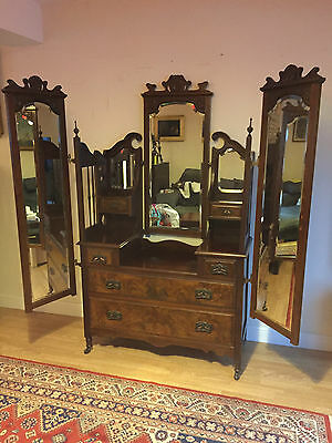 Amazing Antique Edwardian Triple Mirror Walnut Dressing Table