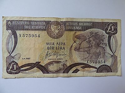 Centrol Bank of Cyprus one pound bank note 1987 X 575954 As Photo's