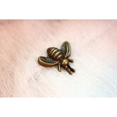 Pin abeja efecto bronce