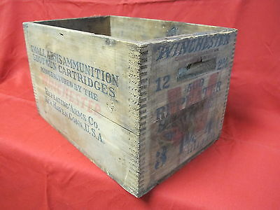 Vintage Wood Winchester Ammo Box 12 gauge Shot Gun Cartridge 2 5/8 500 Repeater