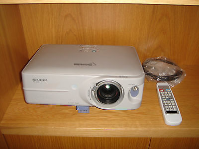 Proyector Sharp Notevision Pg-B10S 1.200 Lumens Con Mando