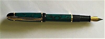 Waterman Phileas Fountain Pen Green Marble with Gold Trim circa 1990's