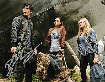 Bob Morley and Eliza Taylor Autographed 8x10 Photo The 100 (2)
