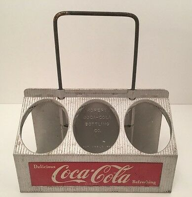 Vintage Coca Cola Ribbed Aluminum 6-Pack Bottle Carrier w/ Pull Out Handle