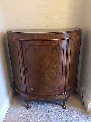 Art Deco / Vintage Walnut Cocktail Drinks Cabinet