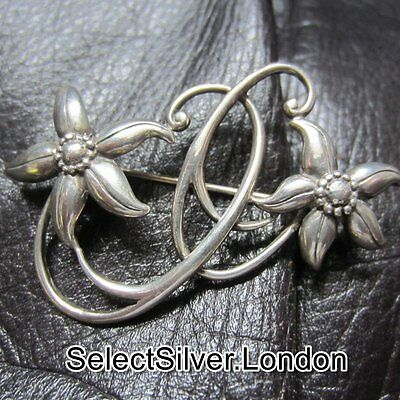 Vintage Solid Sterling Silver Flower Brooch, hallmarked 925