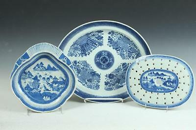 CHINESE EXPORT BLUE AND WHITE PORCELAIN PLATTER, 19th century. - Larg... Lot 178