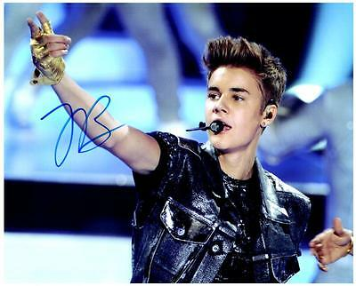 Justin Bieber signed 8x10 photo picture autographed good looking plus COA