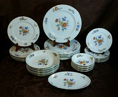 Epiag Czechoslovakia 6788 Floral Pattern China Set of 31 pieces Dining Gold Rims