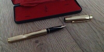 Vintage Sheaffer Electroplated gold fountain pen