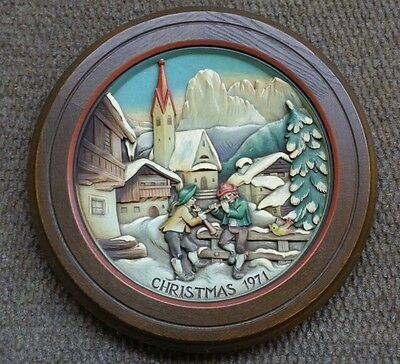 ANRI Wood Wooden Relief Carved Christmas 1971 Wall Plaque Hanging Round Plate