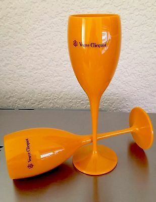 Veuve Clicquot Yellow Polycarb Champagne Hot Tub Poolside Flutes New Unboxed X 2
