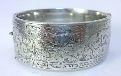 Vintage hallmarked Sterling Silver 25mm Wide Hinged Bangle – Chester 1960  (39g)