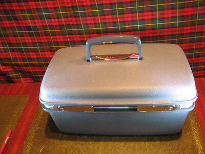 Ladies Vintage Samsonite Vanity Case Circa 1978