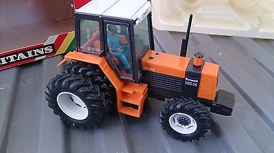 Britains Renault Tractor With Box 9522