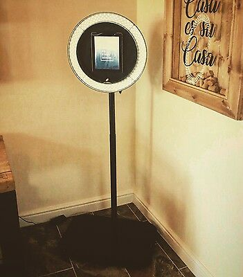 iPad Selfie Pod Photo Booth (Quick Set-up) (UK Based) (Photo, Video, Gif, Print)