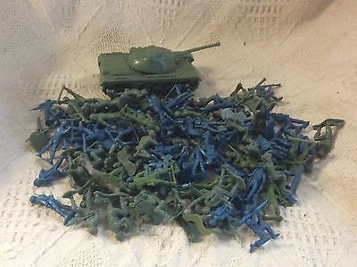 Vtg Lot of 115 Plastic Green & Blue Toy Soldiers plus Tank