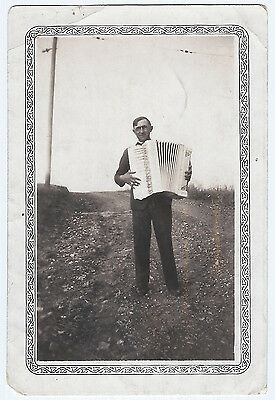 Vintage Photo Snapshot ca.1930s Man Outstanding In His Field PLAYING ACCORDION
