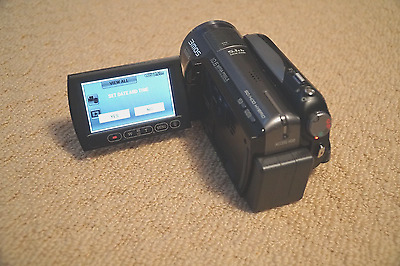 Panasonic HDC-HS250 High Definition Hard Drive/SD Card Camcorder with Bag