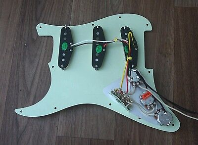Stratocaster/Strat Fully Loaded Pickguard - Vintage 60's Pickups - SUIT FENDER