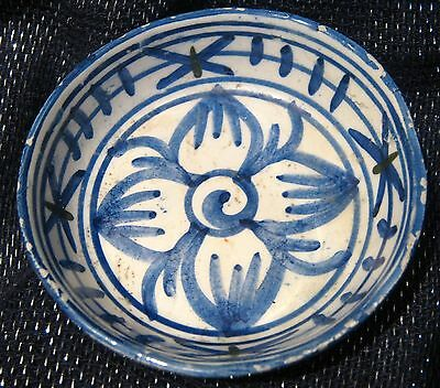 Lovely blue and white trinket dish in delft style approx 3.5ins wide